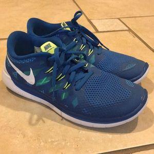 Nike Free Run 5.0 Men's/Youth 7, Women's 8.5